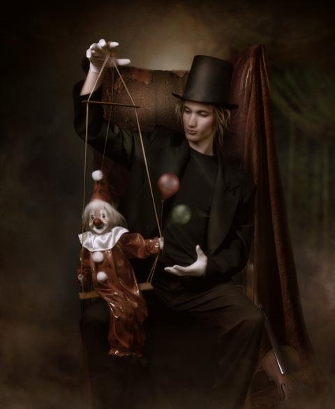 puppet_master_by_Cindy_Grundsten
