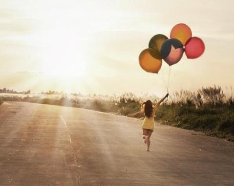baloon-girl-runnig-sunshine-Favim.com-451421